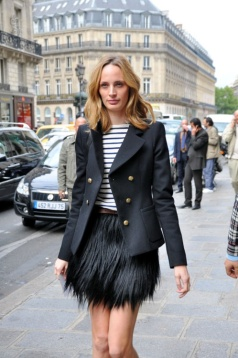 Volume on bottom, and the jacket cancels out the horizontal stripes